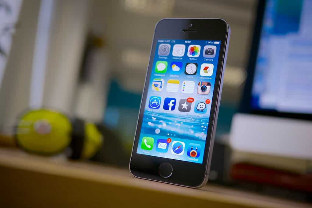 Buying Iphone From Apple Vs At T Internet Access Guide