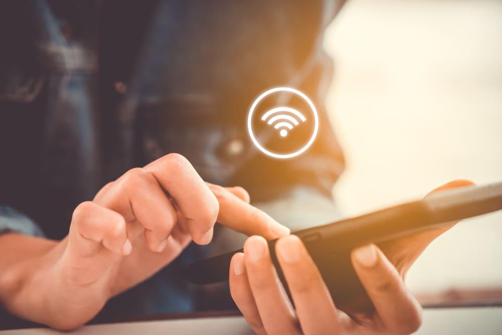 aggressive wifi to cellular handover