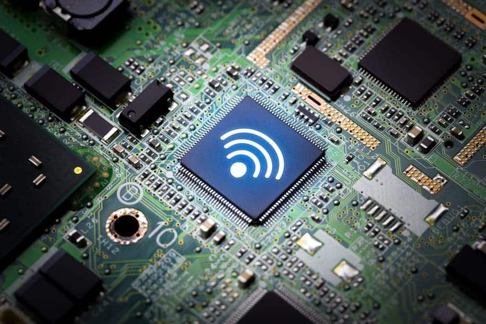 motherboard wifi vs wifi card